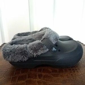 Dark Gray Crocs with light Gray Furry Lining Sz 7